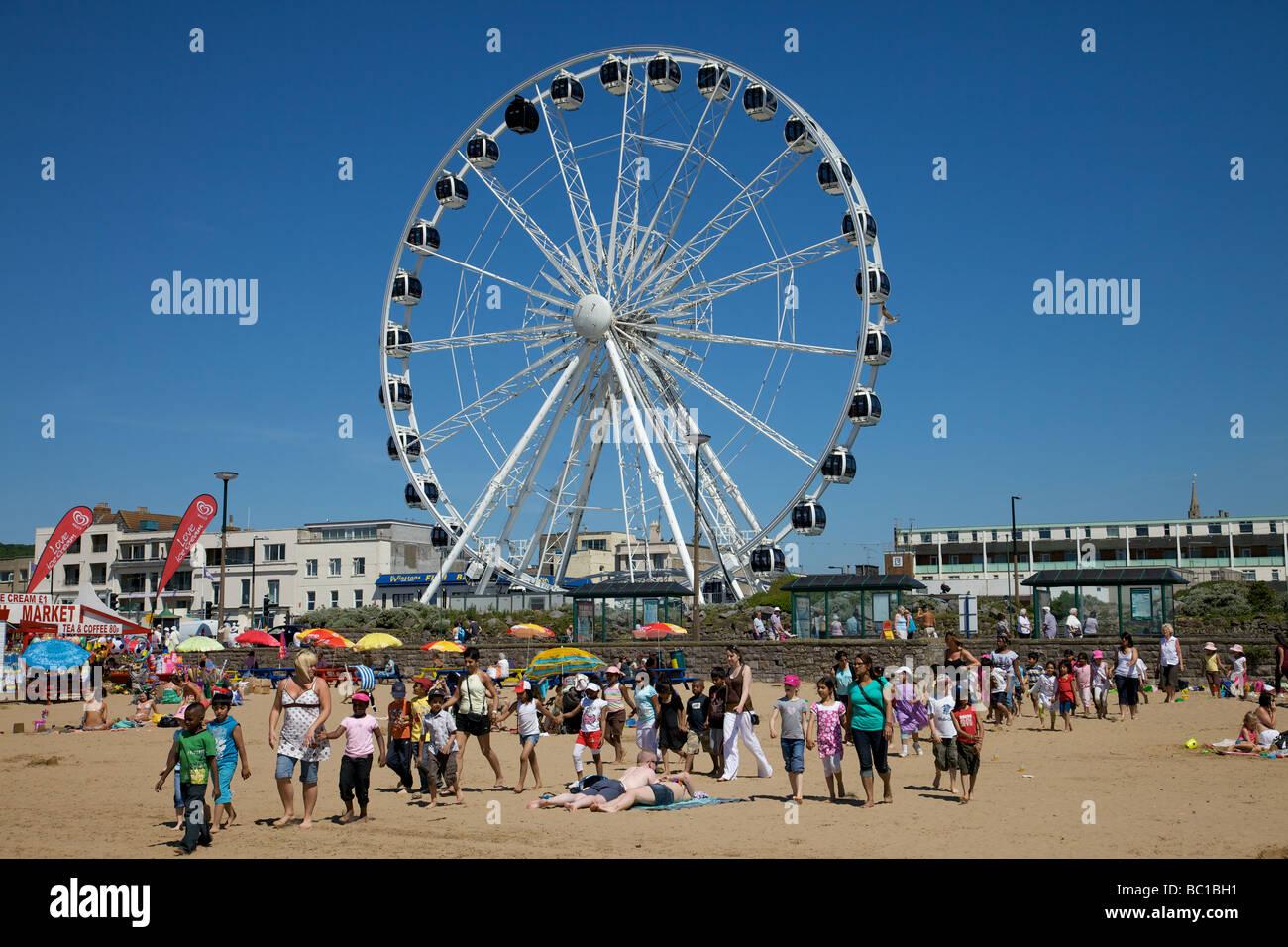 Childern on Weston Super Mare beach - Stock Image