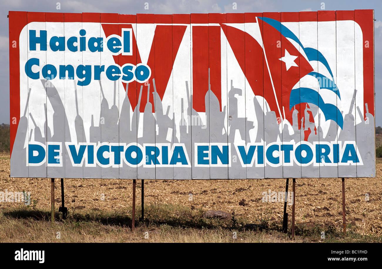 Cuban socialist propaganda billboard. HACIA EL CONGRESO DE VICTORIA EN VICTORIA. CUBA - Stock Image