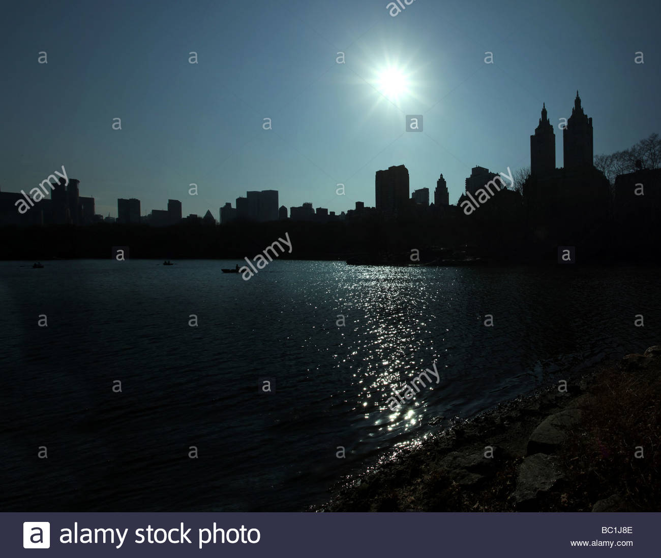 Panoramic view of the lake in central park - Stock Image