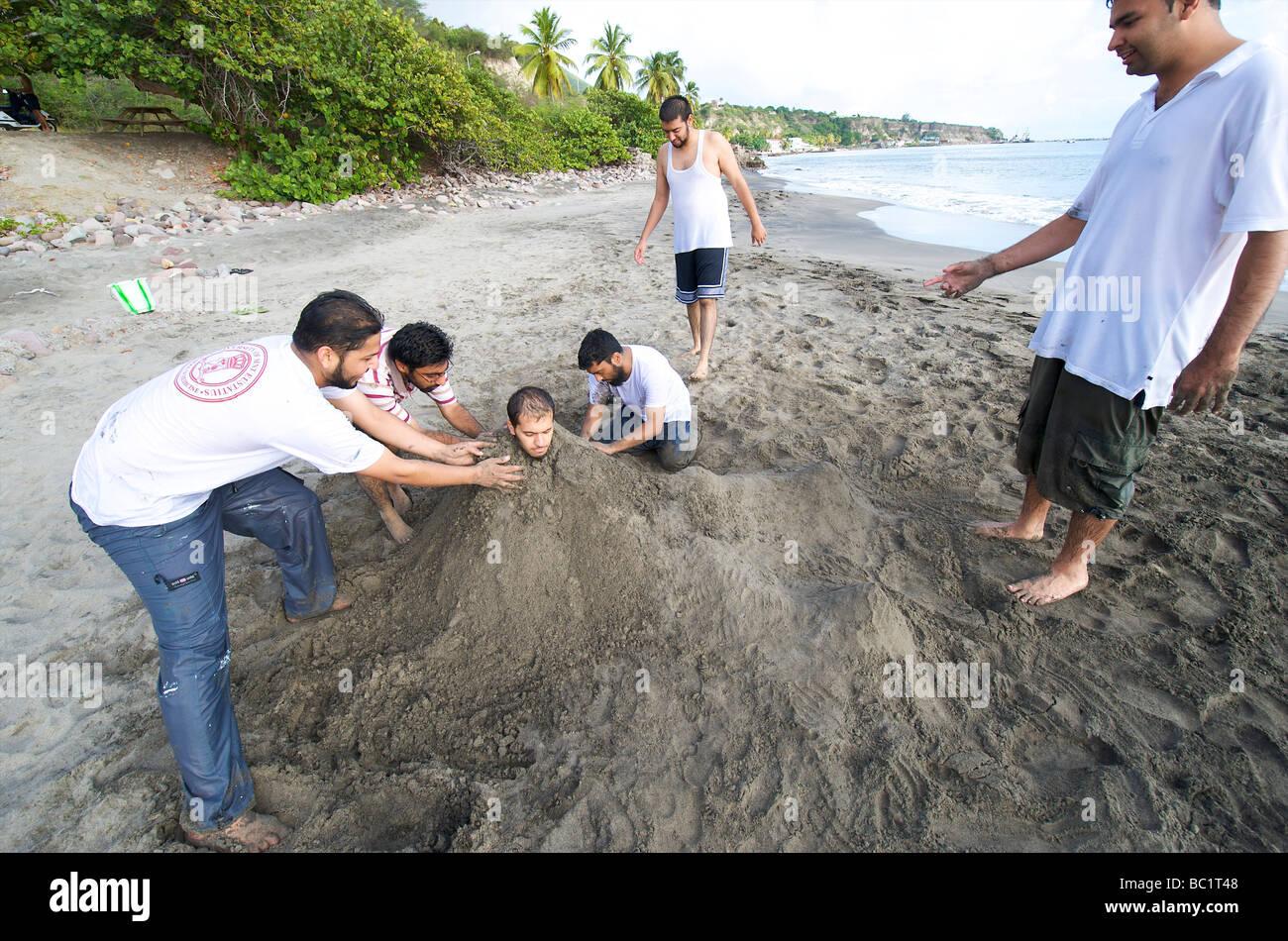 Sint Eustatius students of the medical school having fun on Oranje beach - Stock Image