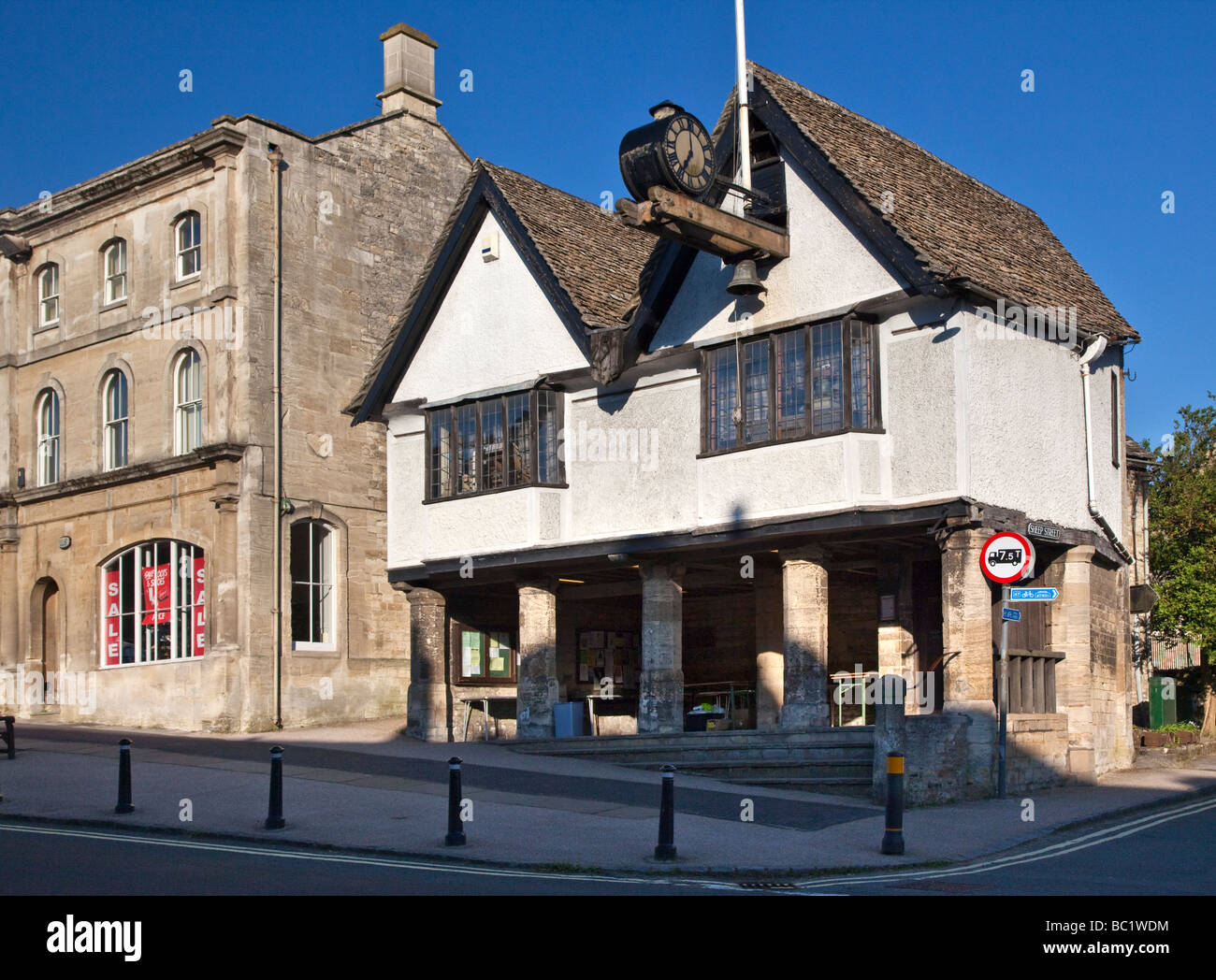 The Old Town Hall High Street Burford Oxfordshire in the Cotswolds - Stock Image
