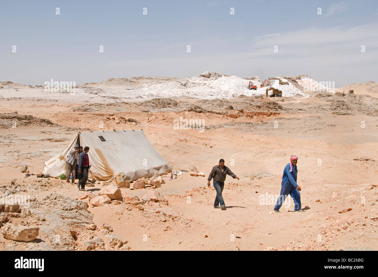 Egypt Sahara Desert road making building construction - Stock Image