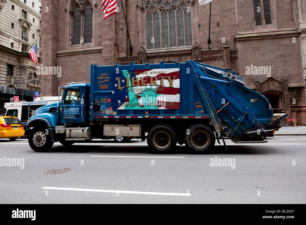 Garbage car in NYC - Stock Image
