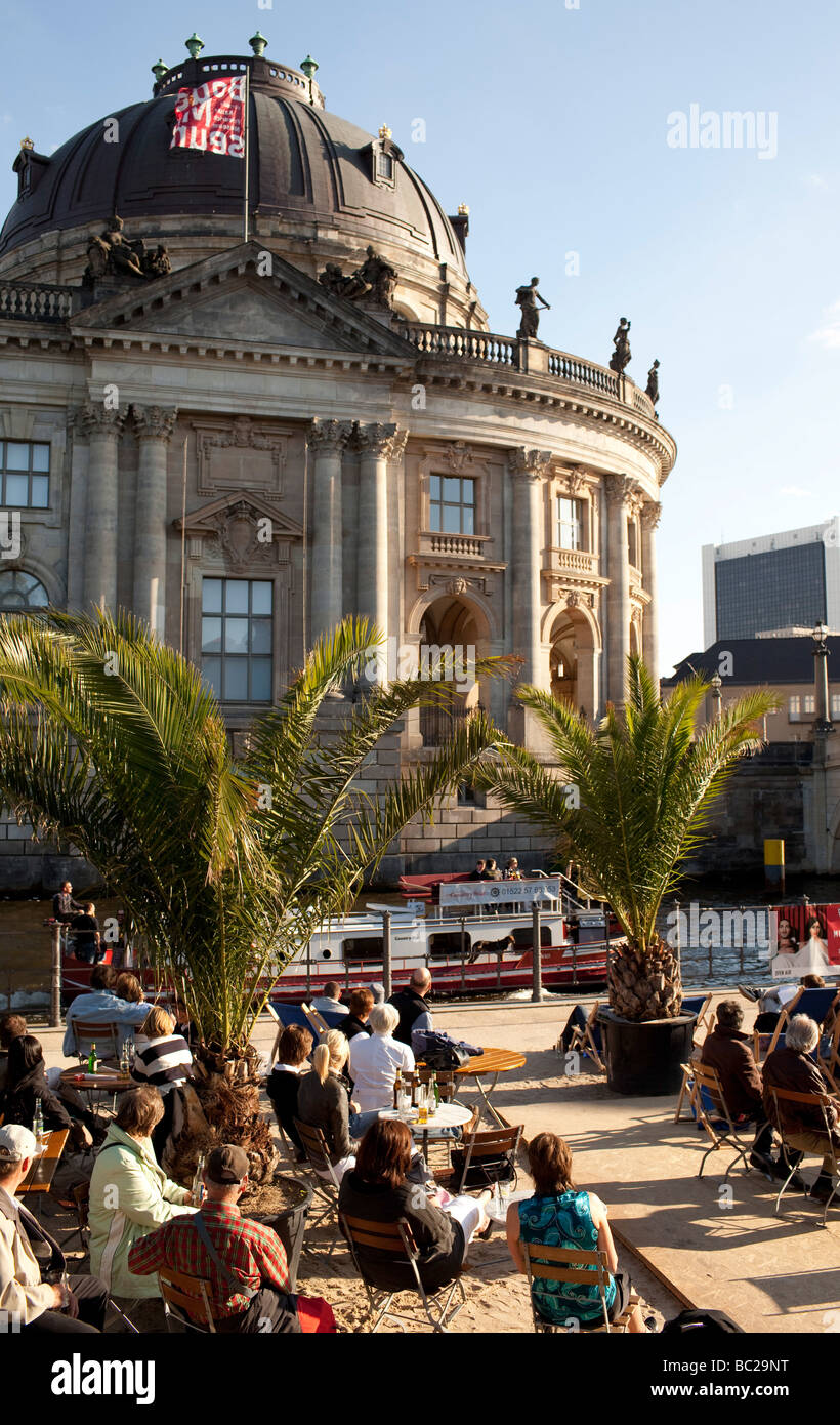 View on the beach bar spree and Bode Museum - Stock Image