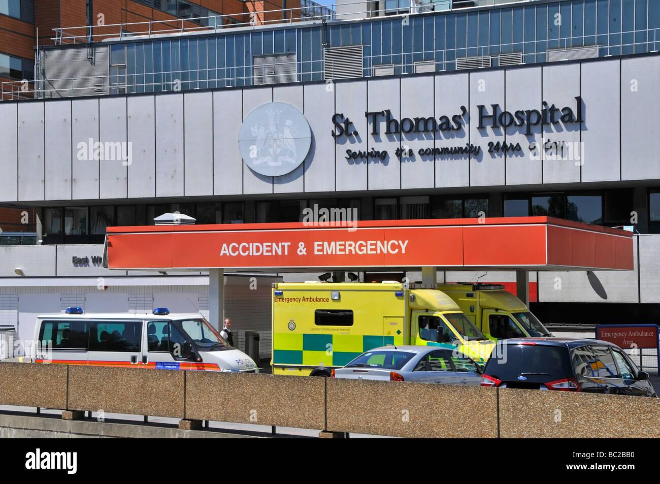 St Thomas Hospital Accident and Emergency ambulances - Stock Image