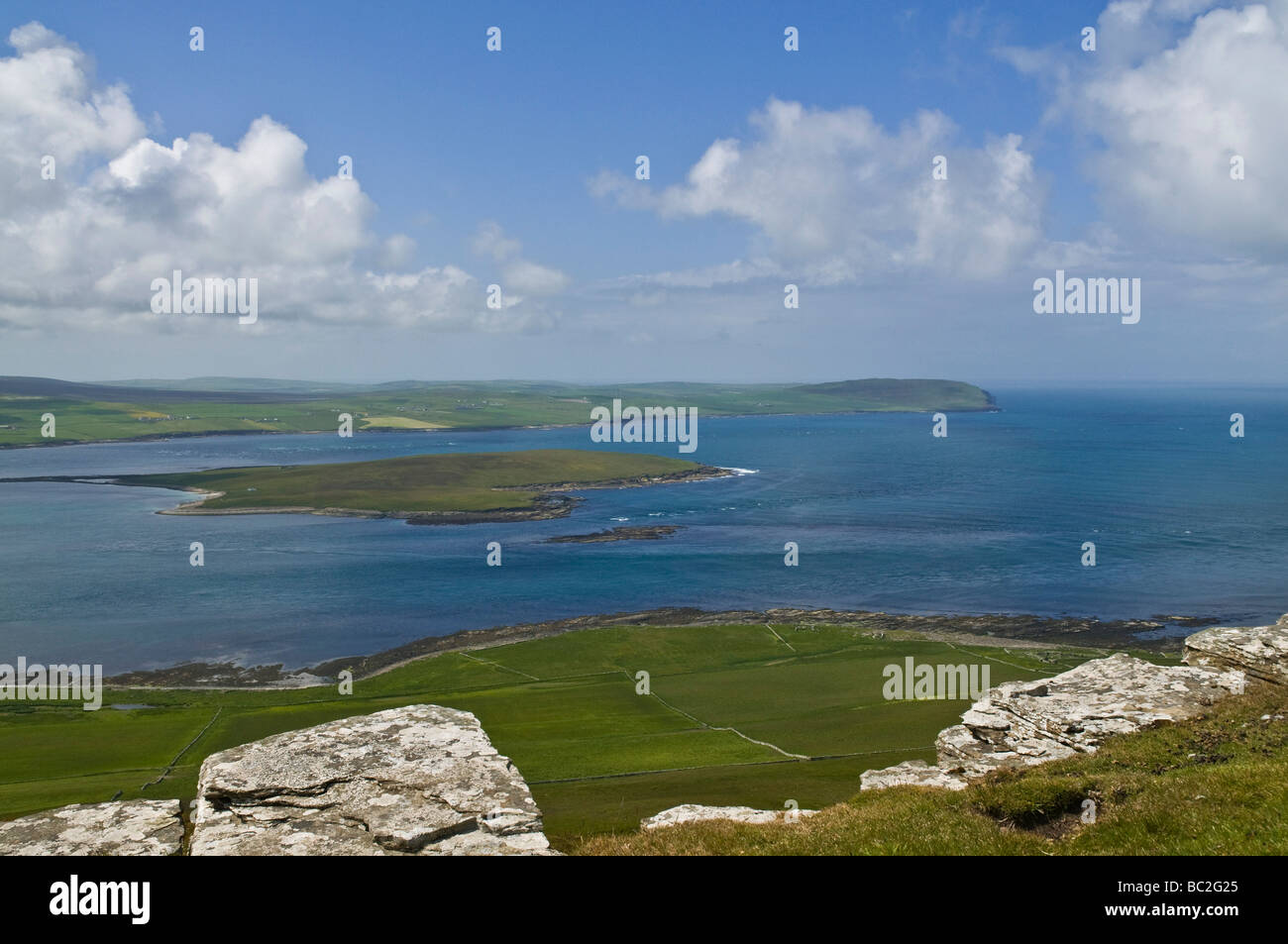 dh Eynhallow Sound ROUSAY ORKNEY Eynhallow island and Evie Orkney Westmainland islands scotland sounds - Stock Image