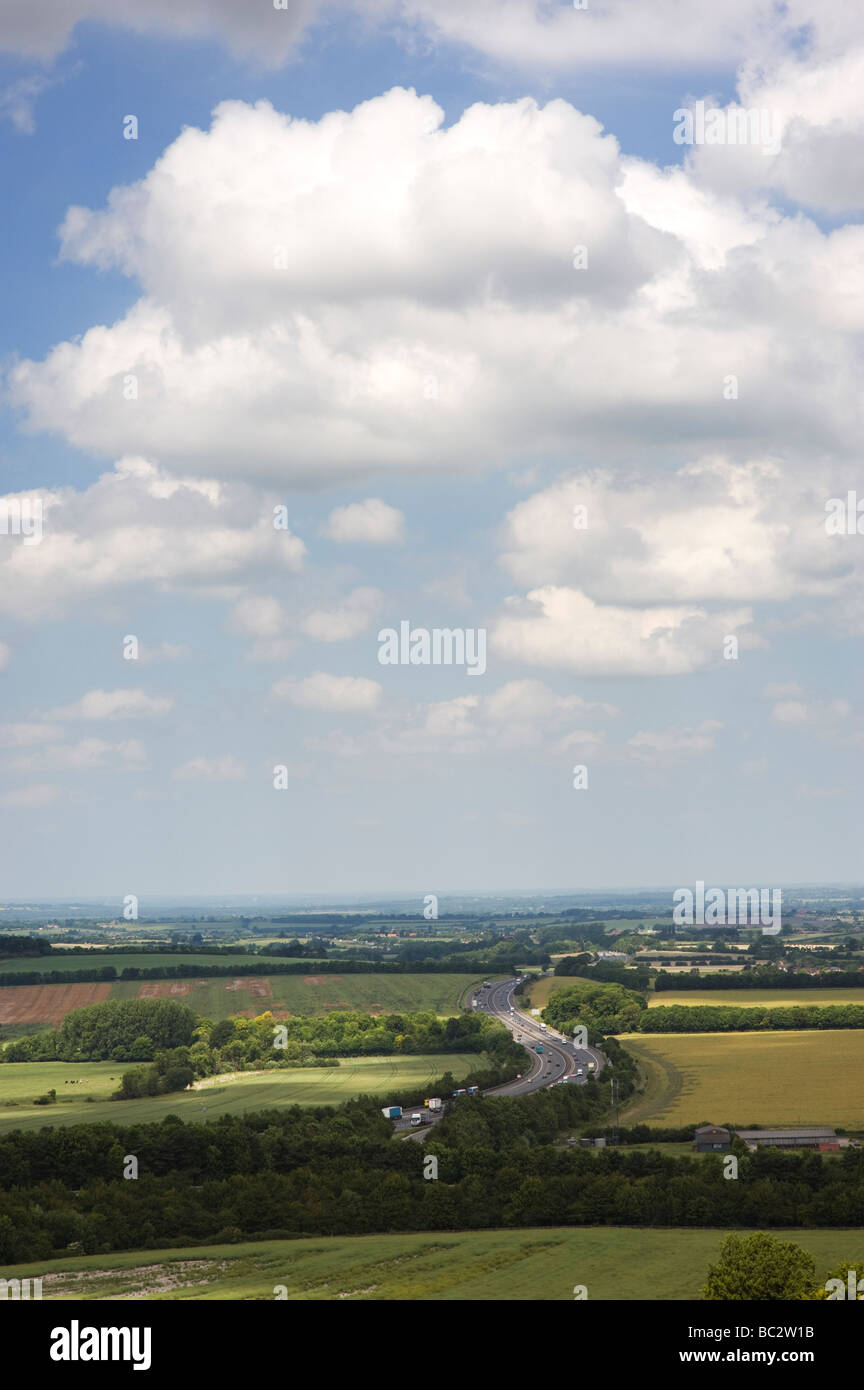 Looking over the M40 Motorway from the Chiltern Hills. The Chilterns, Buckinghamshire, England - Stock Image