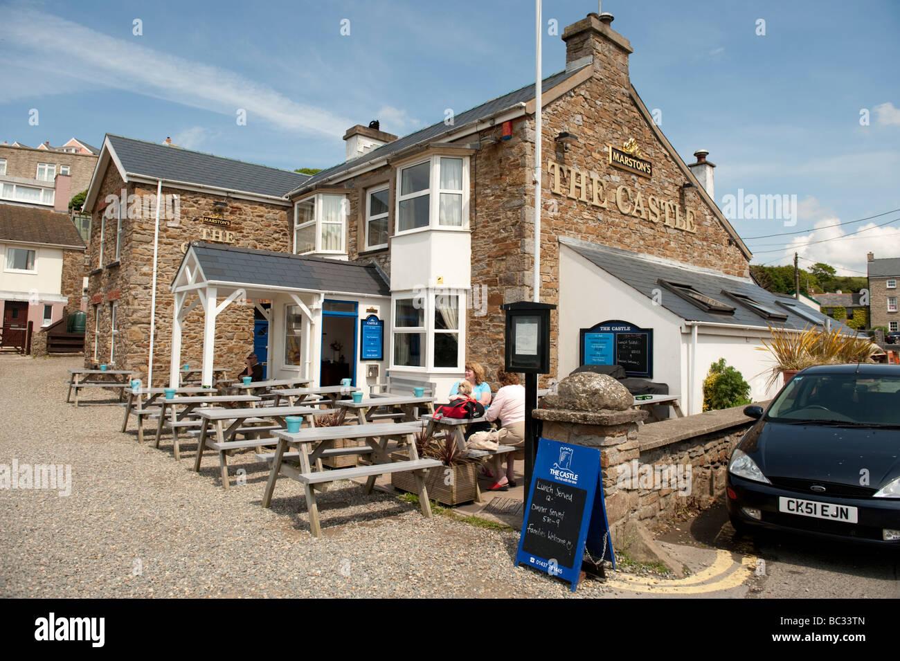 The Castle Pub Summer afternoon Little Haven Pembrokeshire Coast National Park south west wales UK - Stock Image