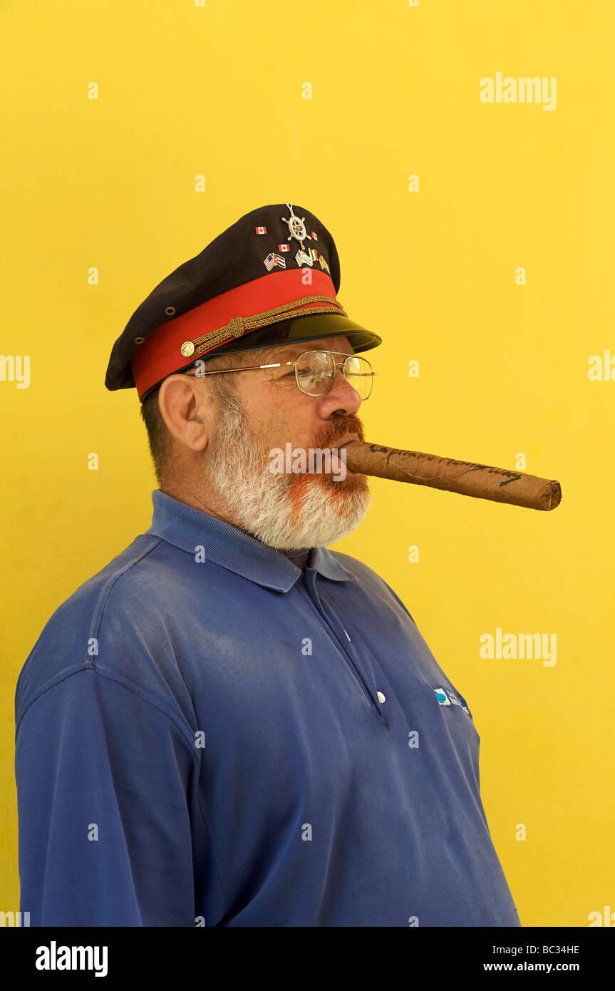 Cuban Man Smoking Cigar Havana Stock Photos & Cuban Man Smoking ...