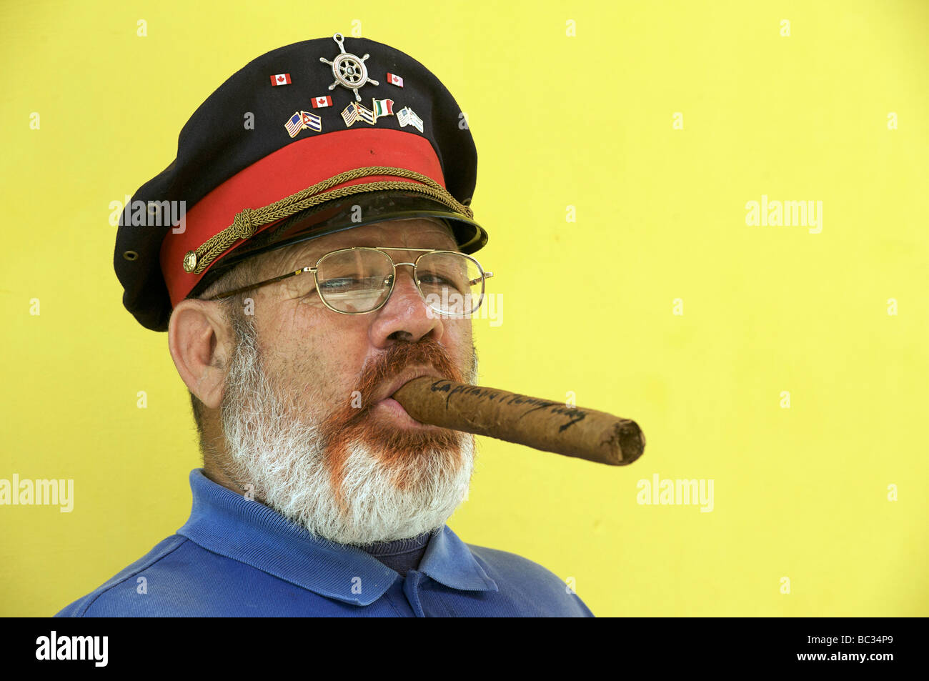 Man Cigar Havana Cuba Stock Photos & Man Cigar Havana Cuba Stock ...