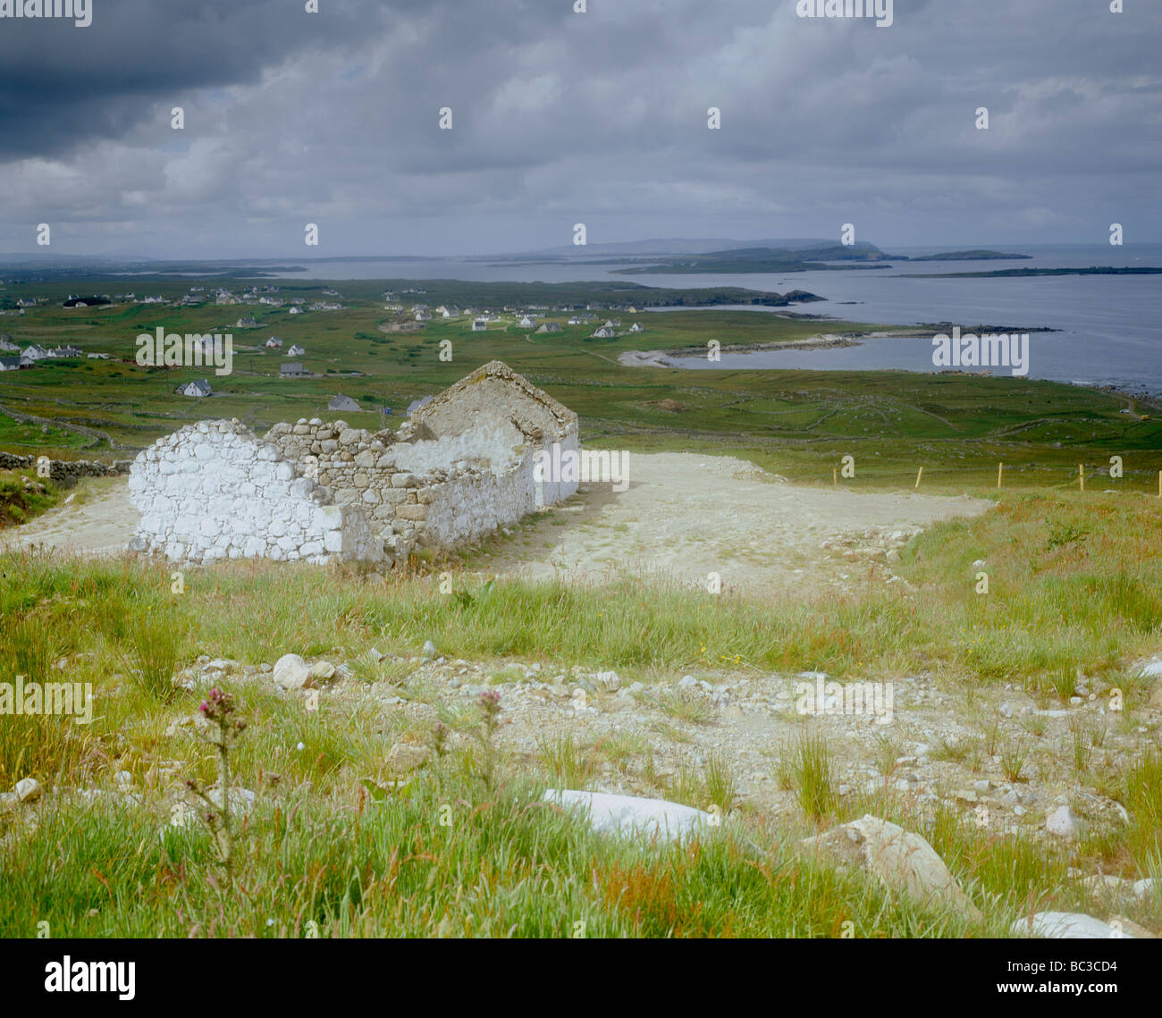 Deserted ruined house at Bloody Foreland, Donegal, Ireland - Stock Image