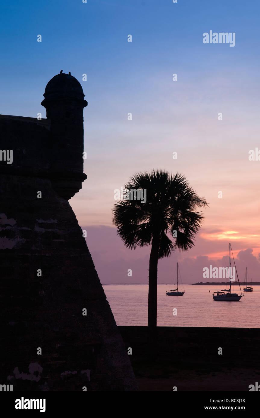 Castillo de San Marcos guards entrance to Matanzas Bay at dawn, St. Augustine, Florida - Stock Image