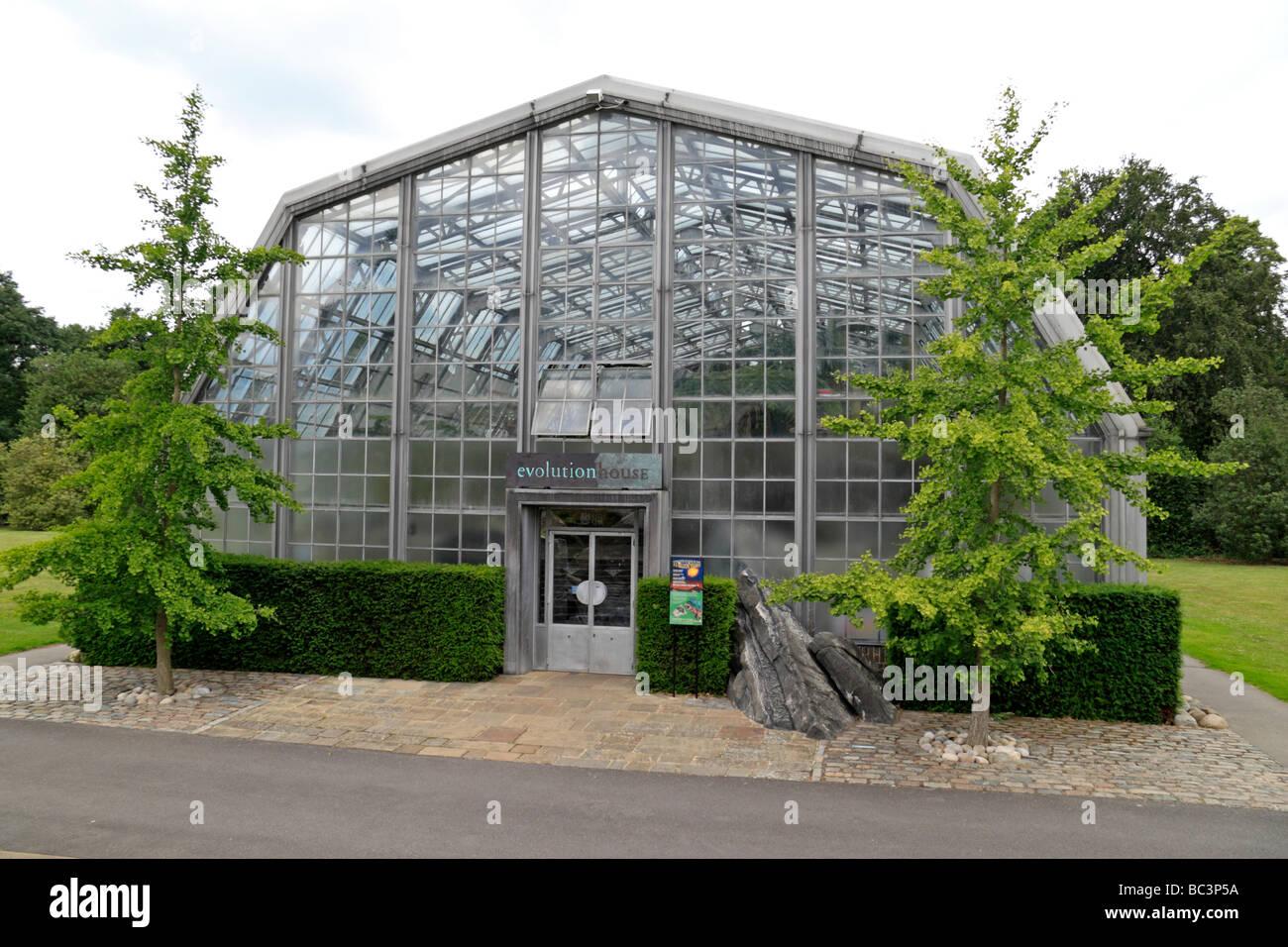 External view of Evolution House, The Royal Botanic Gardens, Kew, Surrey, England. - Stock Image