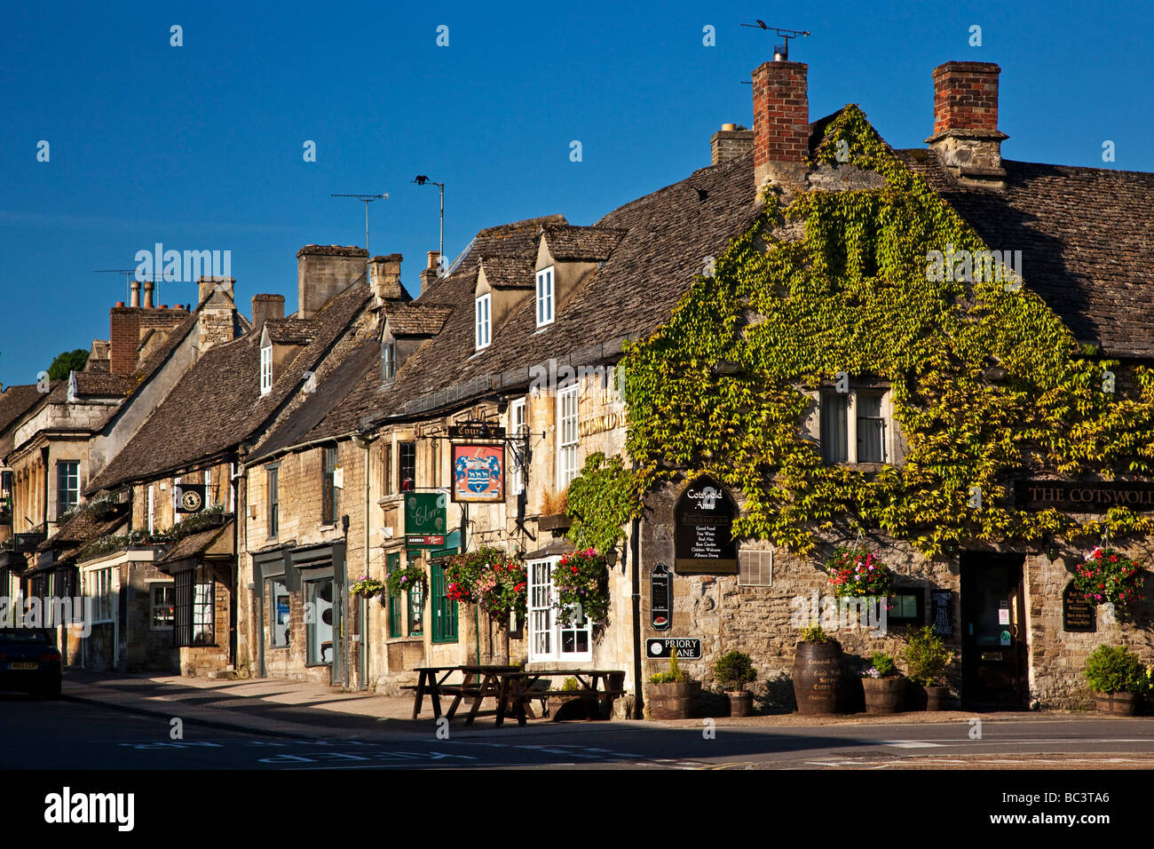 Cotswold Arms High Street Burford Oxfordshire in the Cotswolds - Stock Image