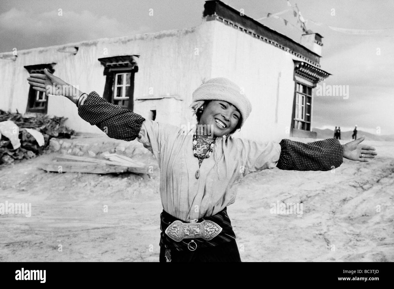 old tingri stock photos & old tingri stock images - alamy