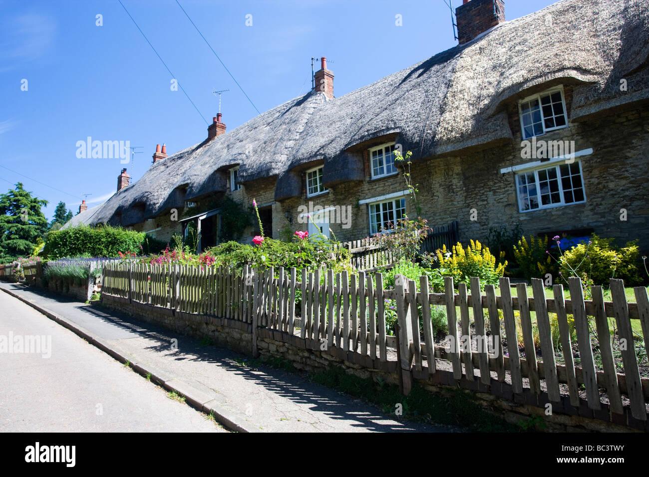 Row of Cottages, Cranford St John, Northamptonshire, England, UK - Stock Image