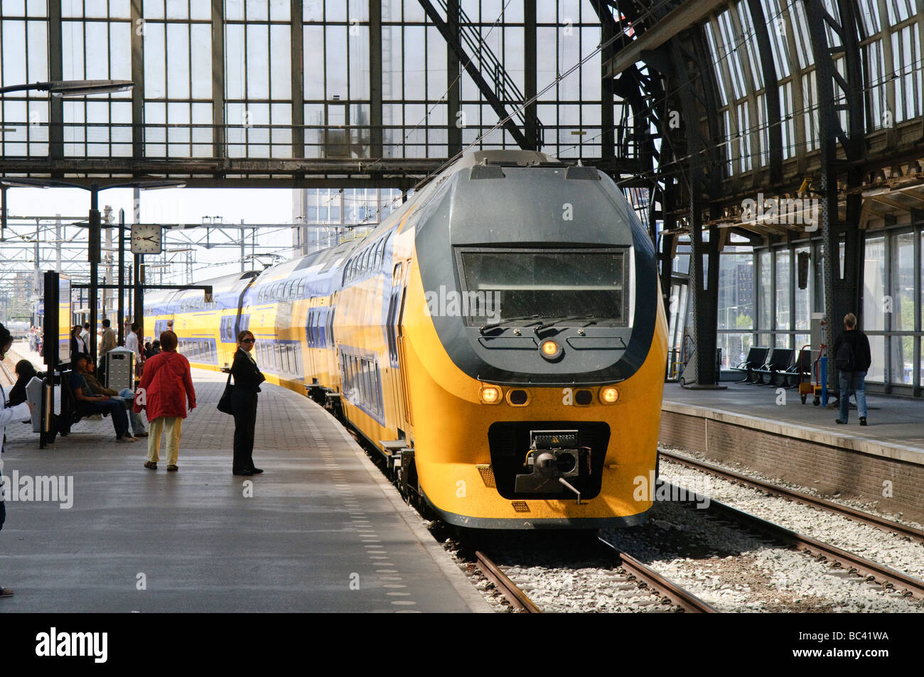 Train at platform 14a Amsterdam Central Station - Stock Image