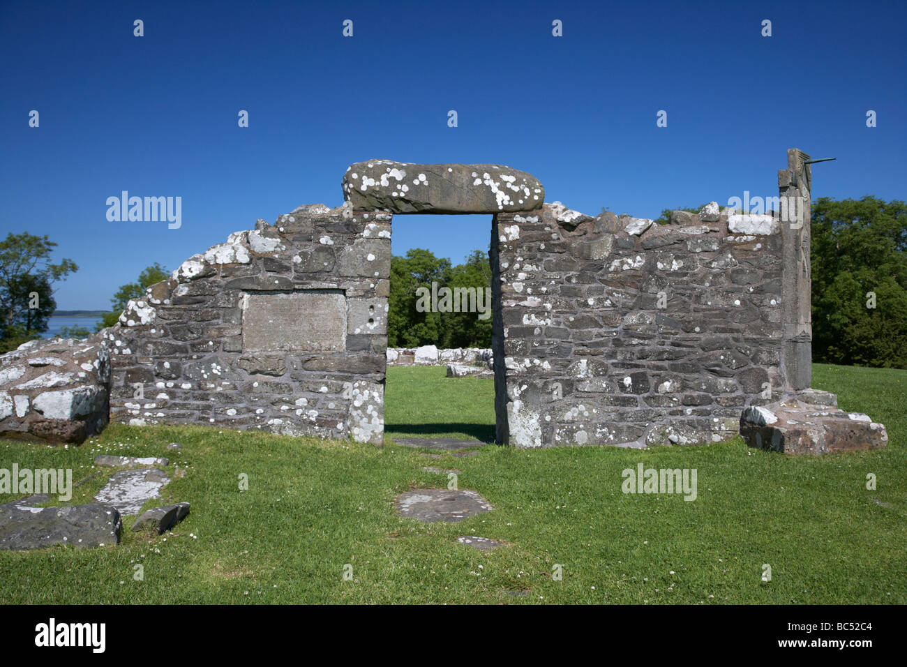 remains of the 6th century church on the monastic site at nendrum on mahee island county down northern ireland - Stock Image