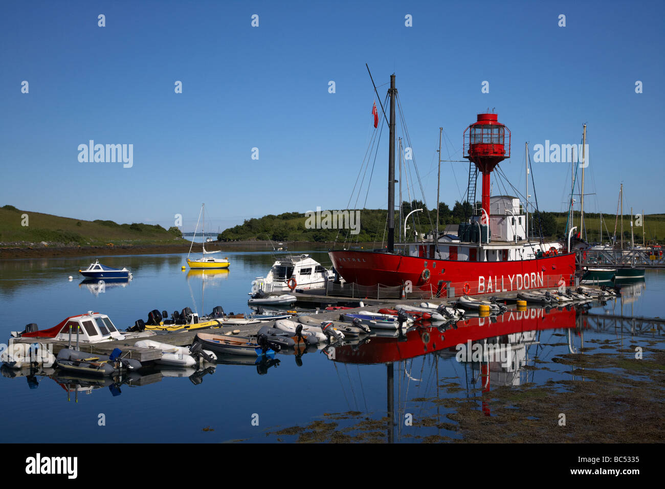 ballydorn lightship formerly known as the petrel now clubhouse for the local down cruising yacht club killinchy - Stock Image