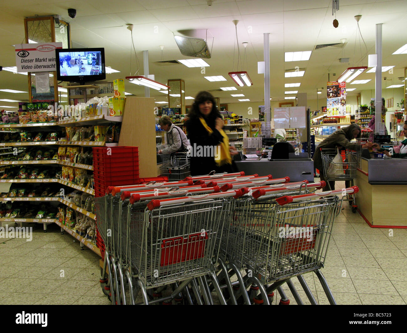 Woman Shoppers in a Germany Supermarket - Stock Image