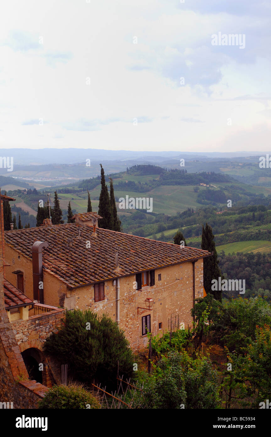 Home in Tuscan Hills, Italy - Stock Image