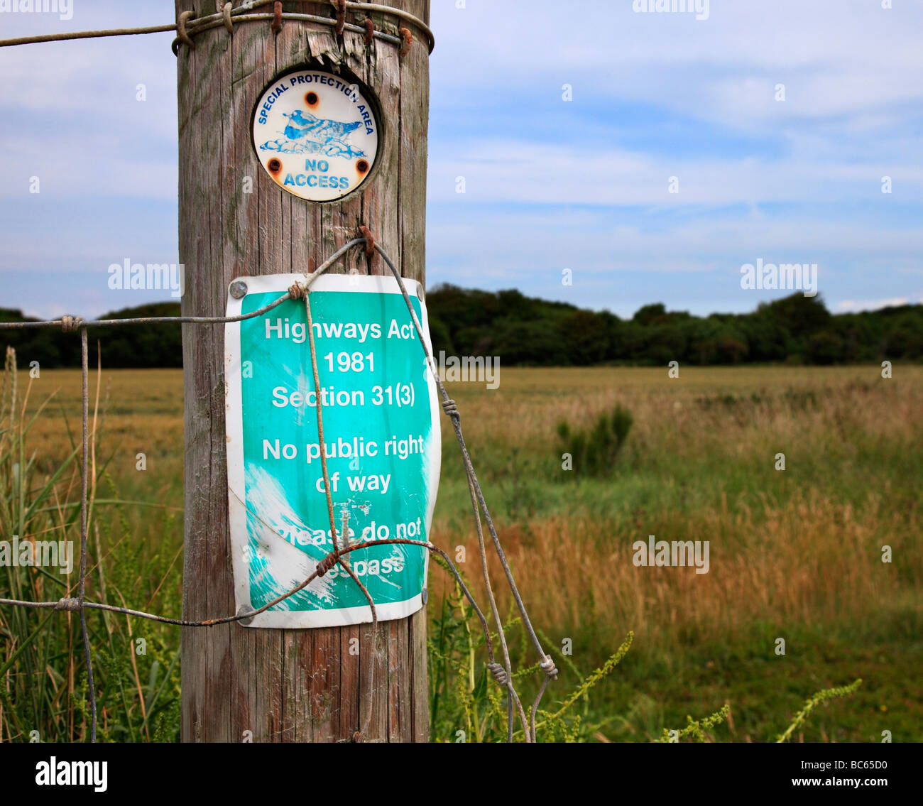 Special Protection Area and trespass notice. Climping, Near Littlehampton, West Sussex, England, UK. - Stock Image