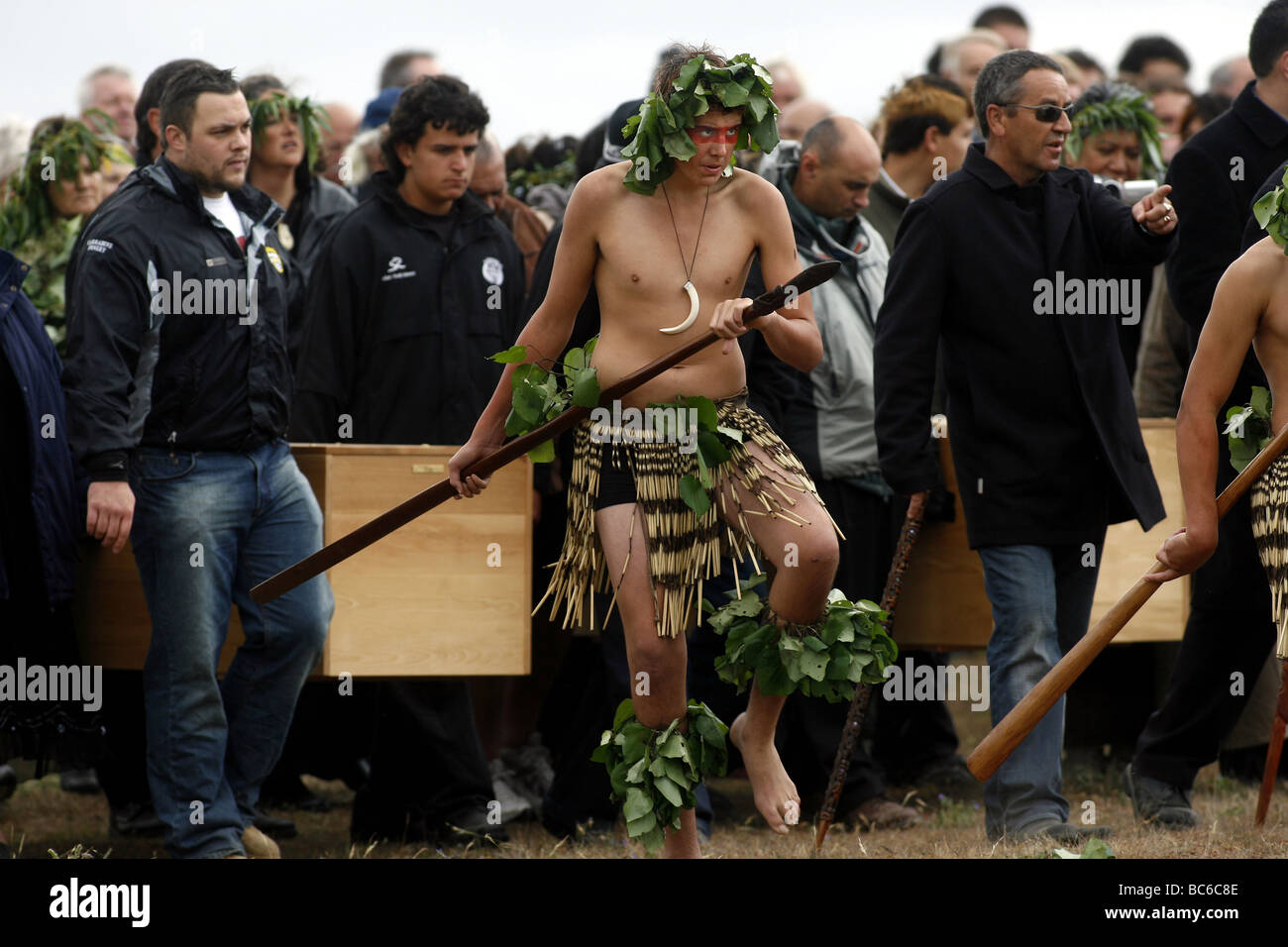 Maori bones believed to be of the original settlers to New Zealand, are returned and reburied at Wairau Bar, Marlborough - Stock Image