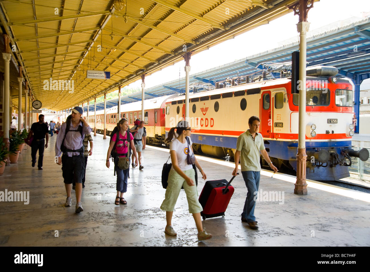 People arriving at Sirkeci Railway Station in Istanbul Turkey - Stock Image