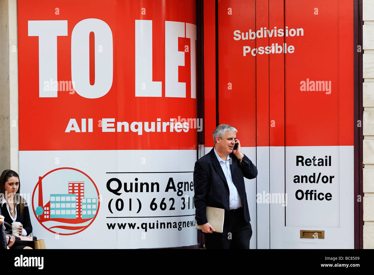 Large estate agents To Let property sign on Grafton Street Dublin Republic of Ireland - Stock Image