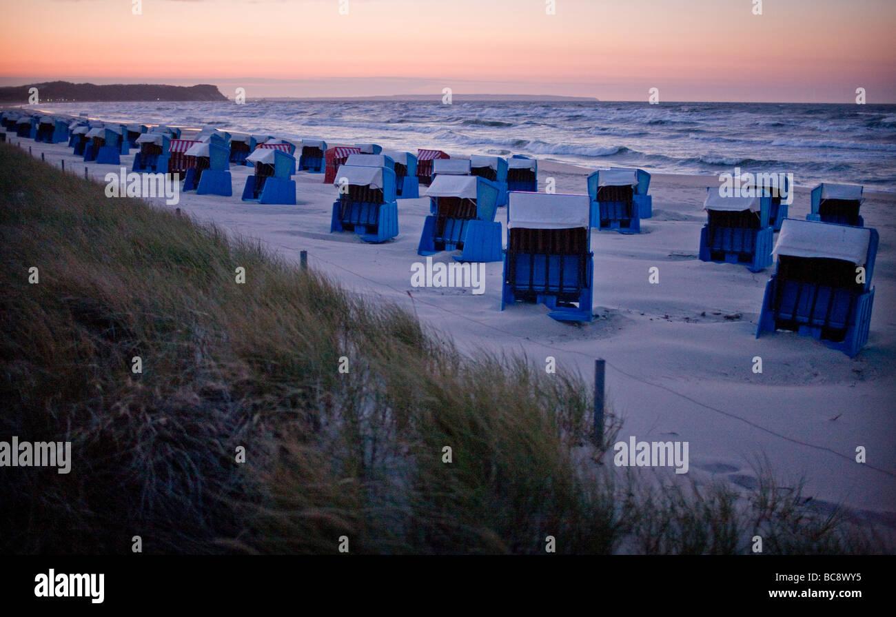 Sonnenuntergang am Strand von Goehren auf der Insel Ruegen Goehren - Stock Image