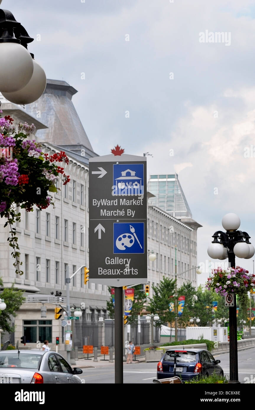Street Sign - directions to ByWard Market and Gallery Beaux Arts in Ottawa Stock Photo