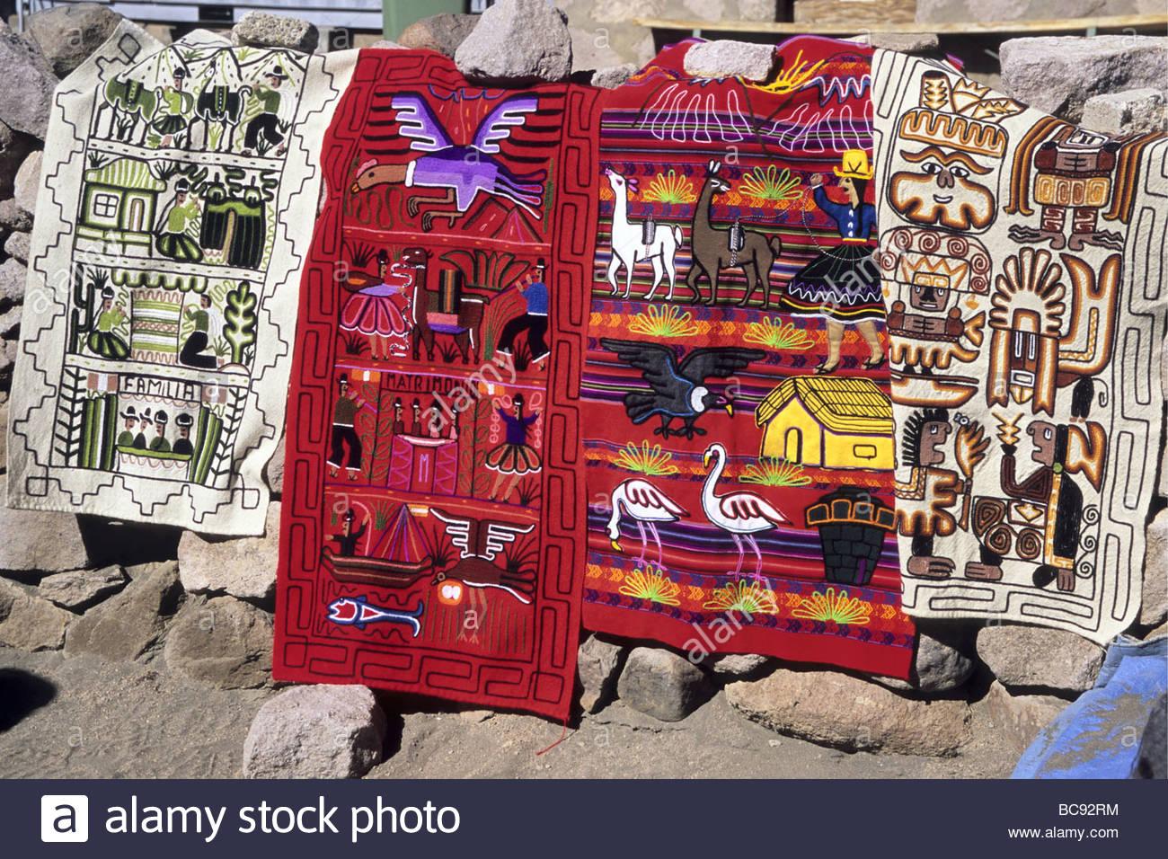 Bunte Stoffe Typische Souvenirs Des Altiplano Chile Colorful