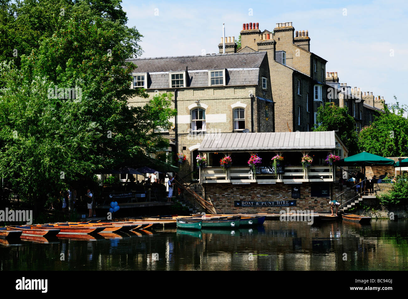 The Granta pub , millpond and punts for hire, Cambridge England UK - Stock Image