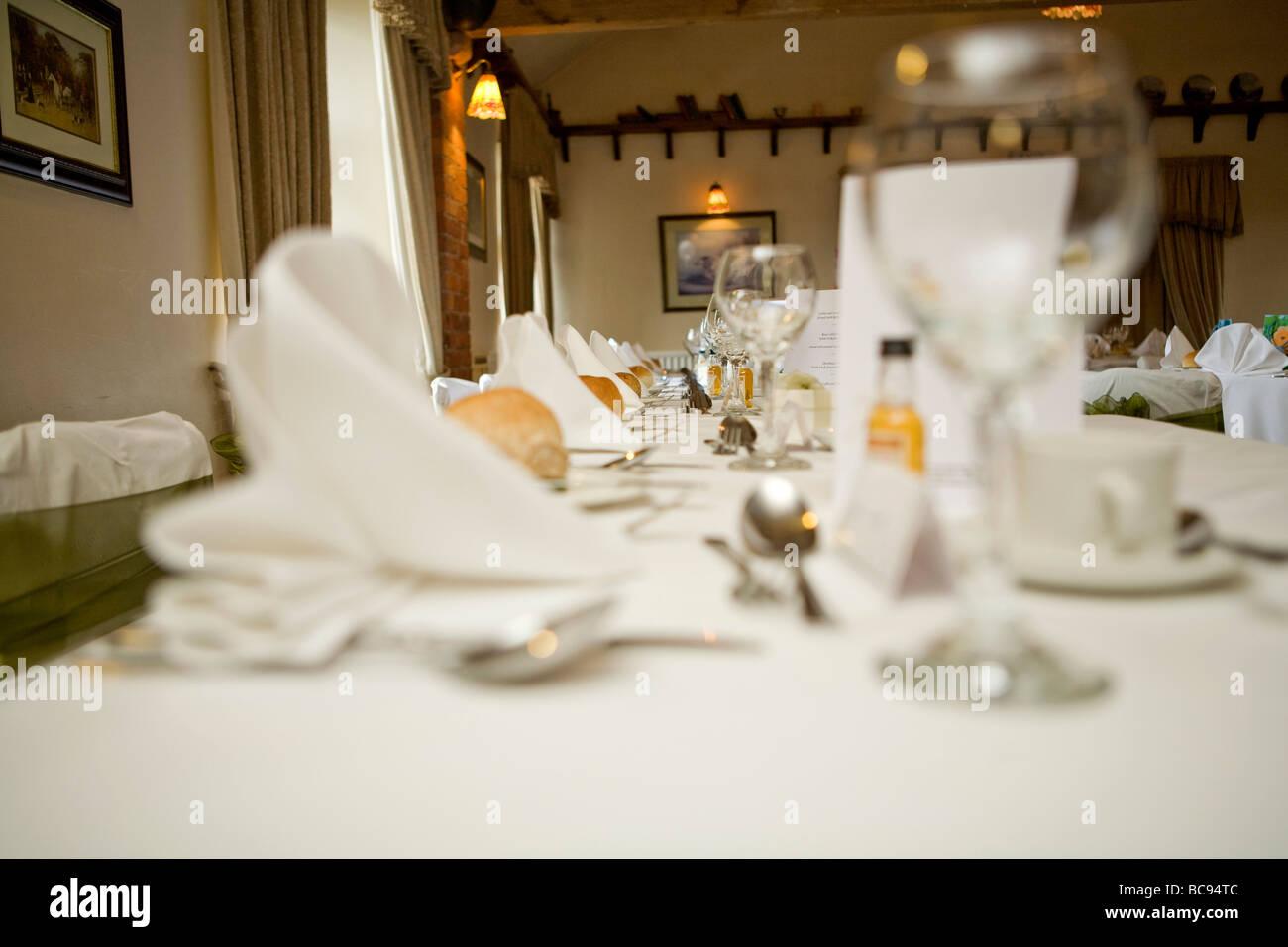 English Wedding Table Stock Photos & English Wedding Table Stock ...