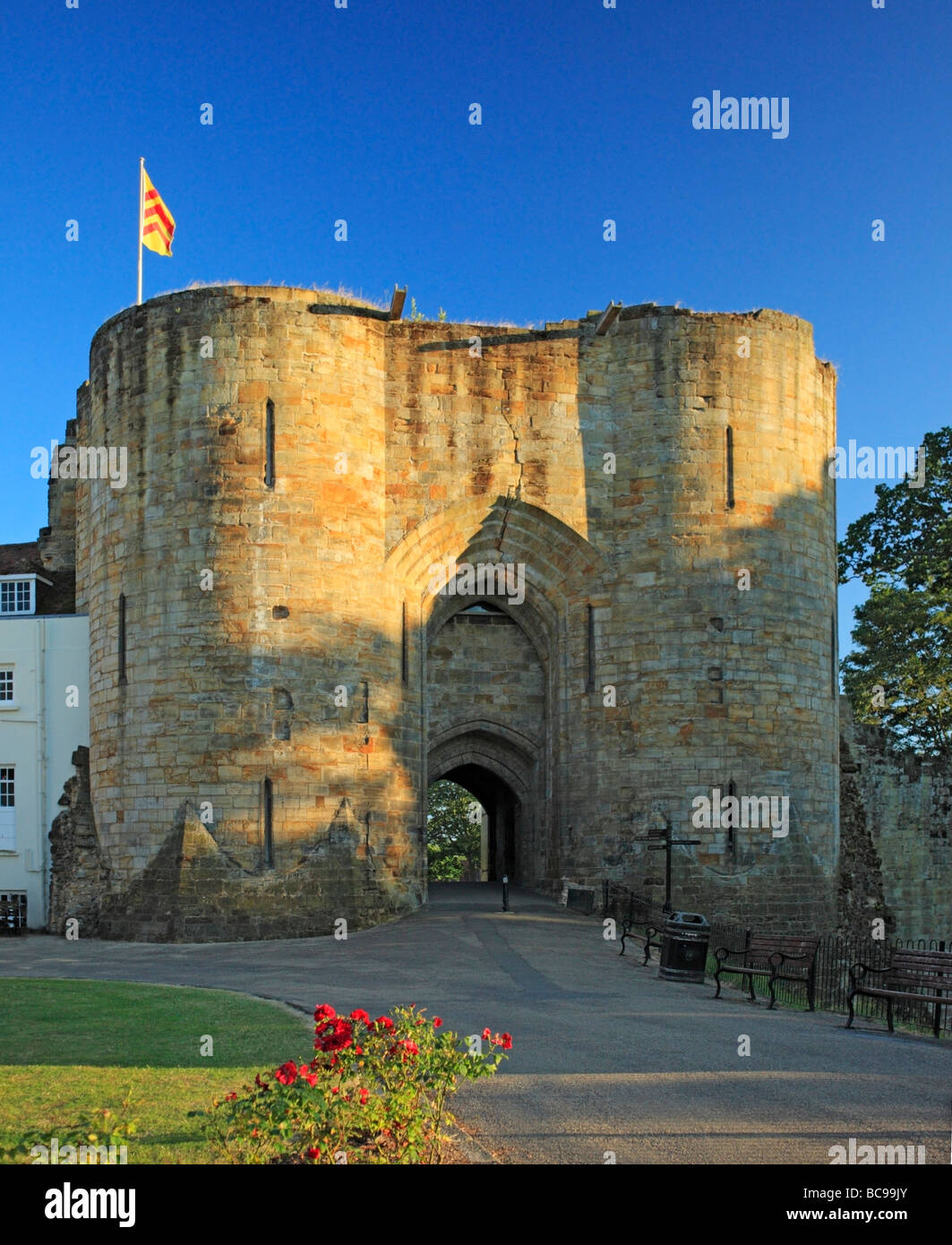 The Motte and Bailey Gatehouse front entrance to Tonbridge Castle, Kent, England, UK. - Stock Image
