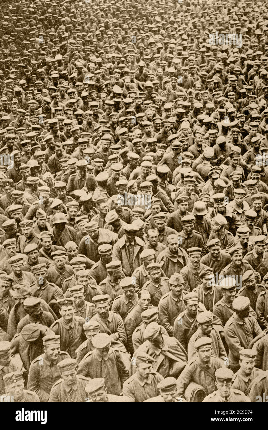 German prisoners of war taken by British troops at the beginning of the Second Battle of the Somme. - Stock Image