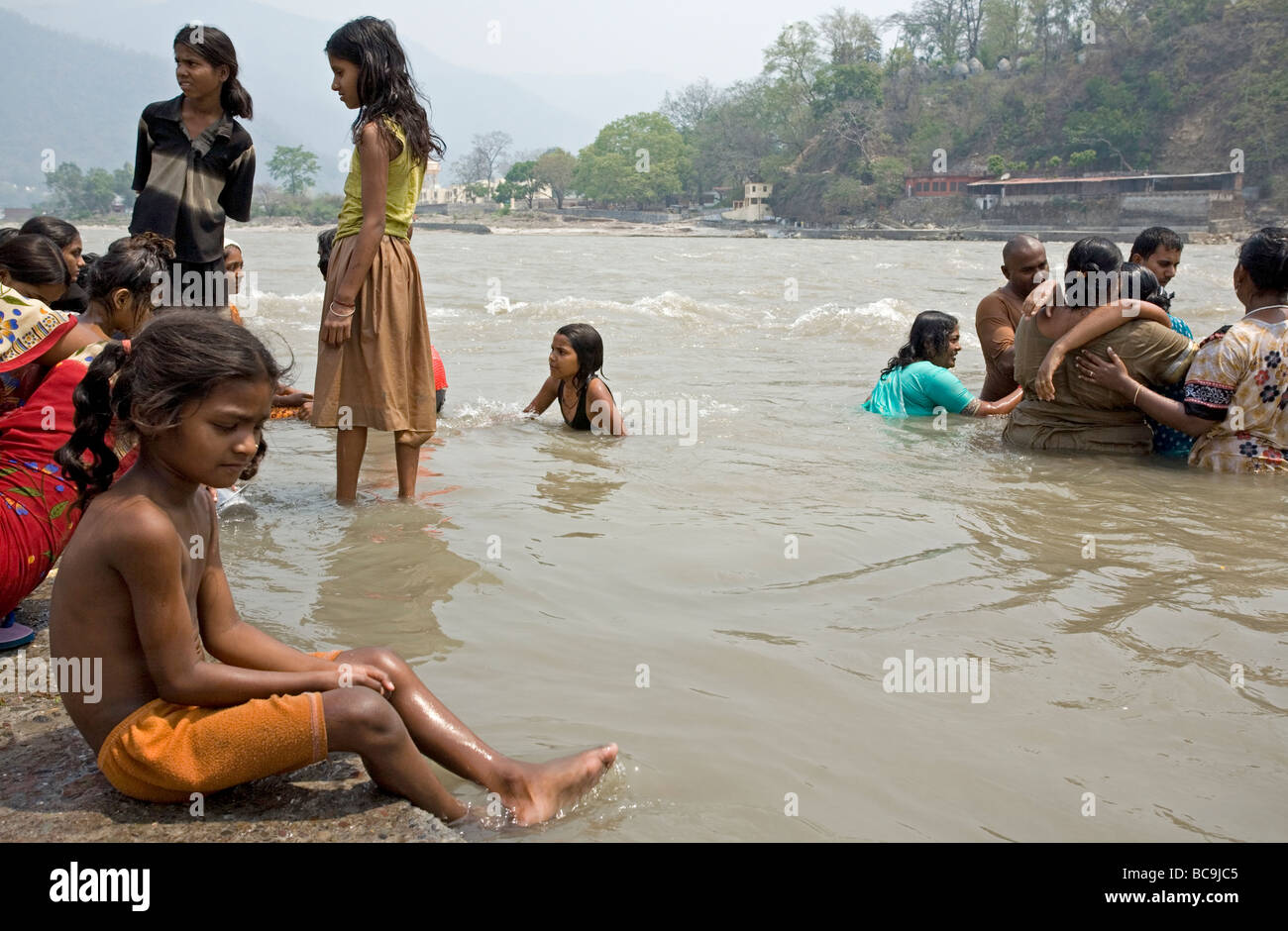 Indian people bathing in the ganges river rishikesh for Girls fishing naked