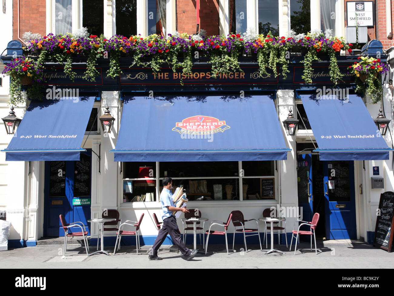 The Bishop's Finger pub, West Smithfield, London - Stock Image