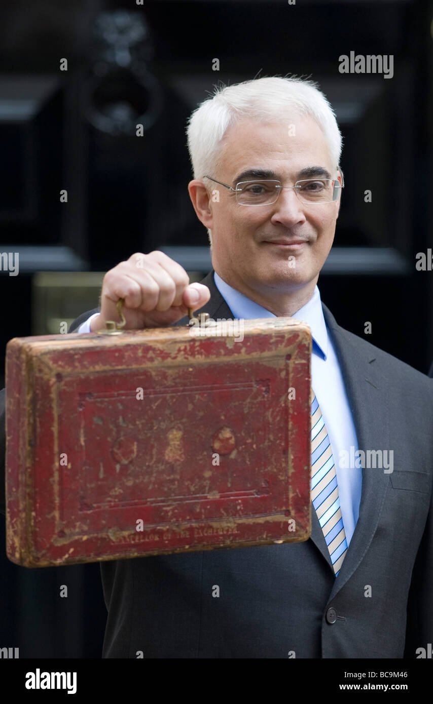 Chancellor  Alistair Darling on the doorstep of 11 Downing Street holding the Budget Box - Stock Image