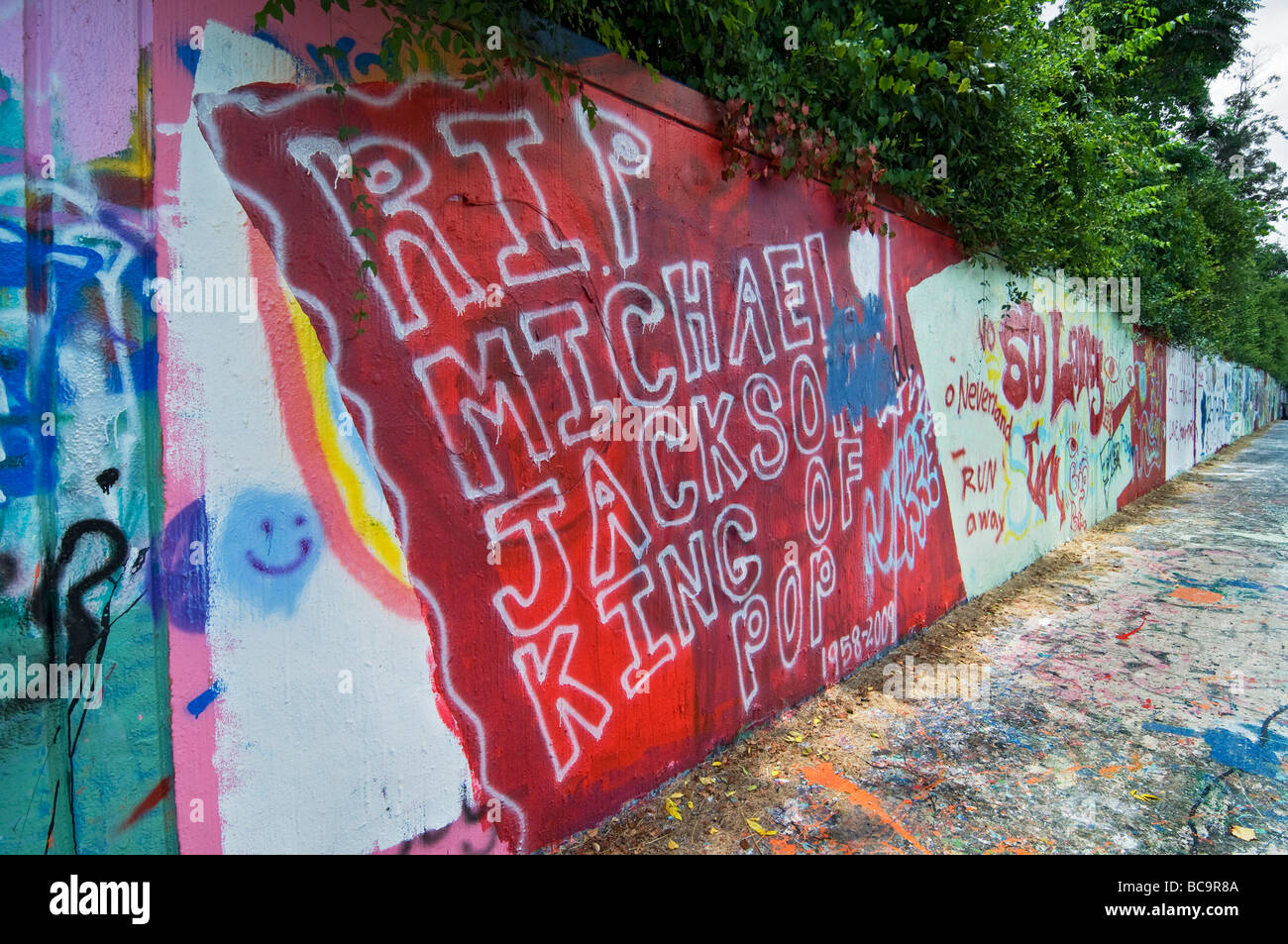 Tribute to Michael Jackson after his death along Gainesville Florida's Graffiti Wall - Stock Image