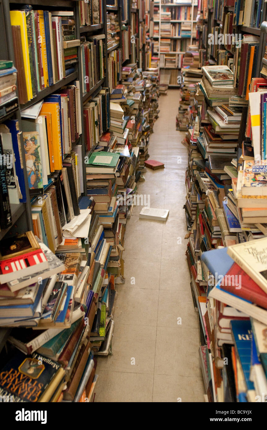 Books in Gould's secondhand bookshop on King Street, Newtown, Sydney, NSW, Australia - Stock Image