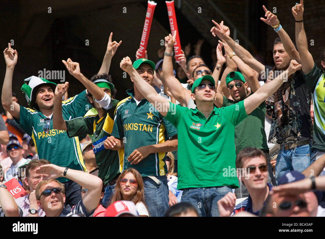 Pakistan cricket fans - Stock Image