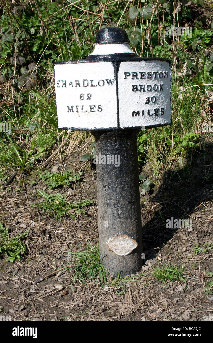 Victorian cast-iron mile post.Trent & Mersey canal - Stock Image