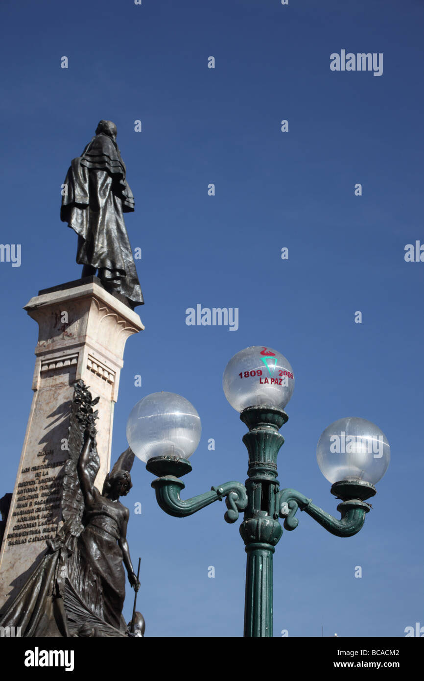 Symbol of 200th anniversary of first declaration of independence in South America on street lamp, Plaza Murillo, Stock Photo