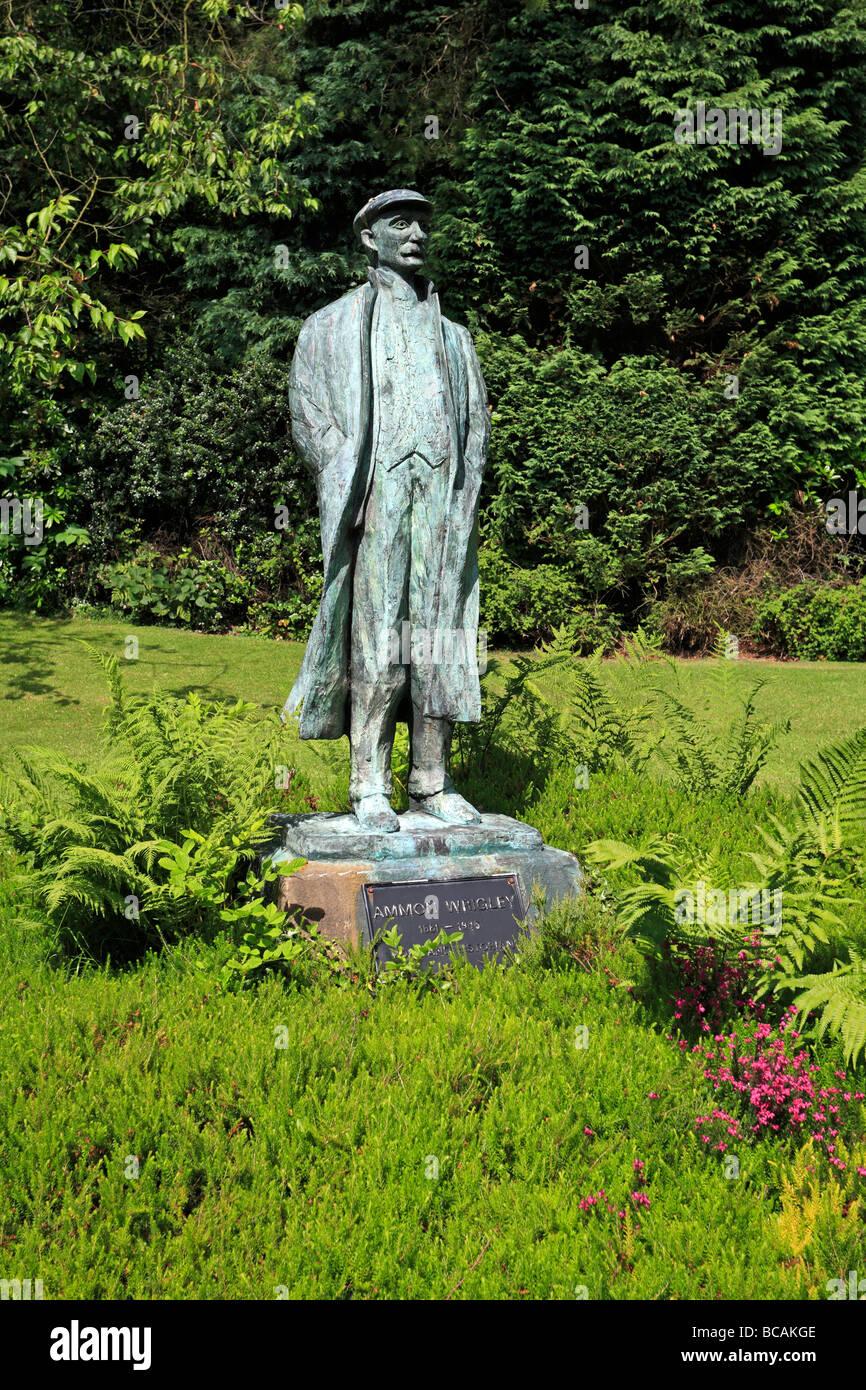 Statue of Ammon Wrigley Uppermill Saddleworth Oldham Greater Manchester Lancashire England UK - Stock Image