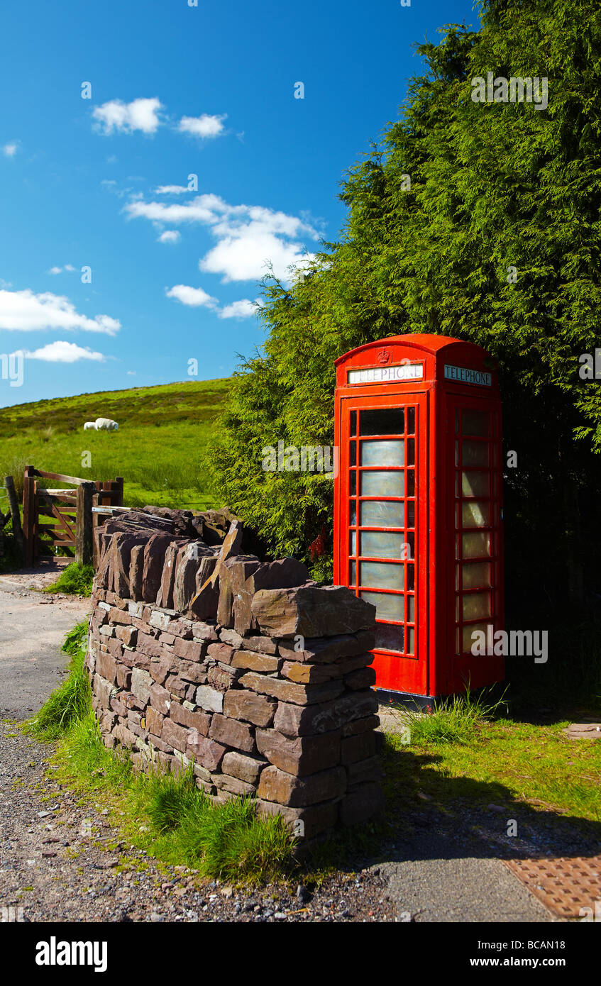 Red Telephone Kiosk, Brecon Beacons National Park, Wales, UK - Stock Image
