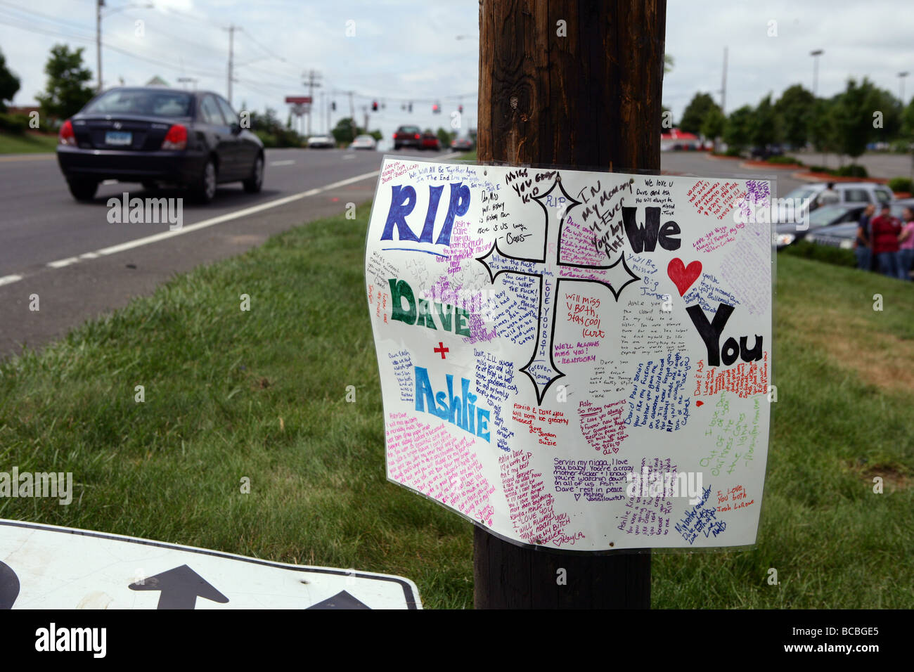 A Roadside memorial marks the spot where two Connecticut Teens were killed in a DUI collision with a Police officer - Stock Image