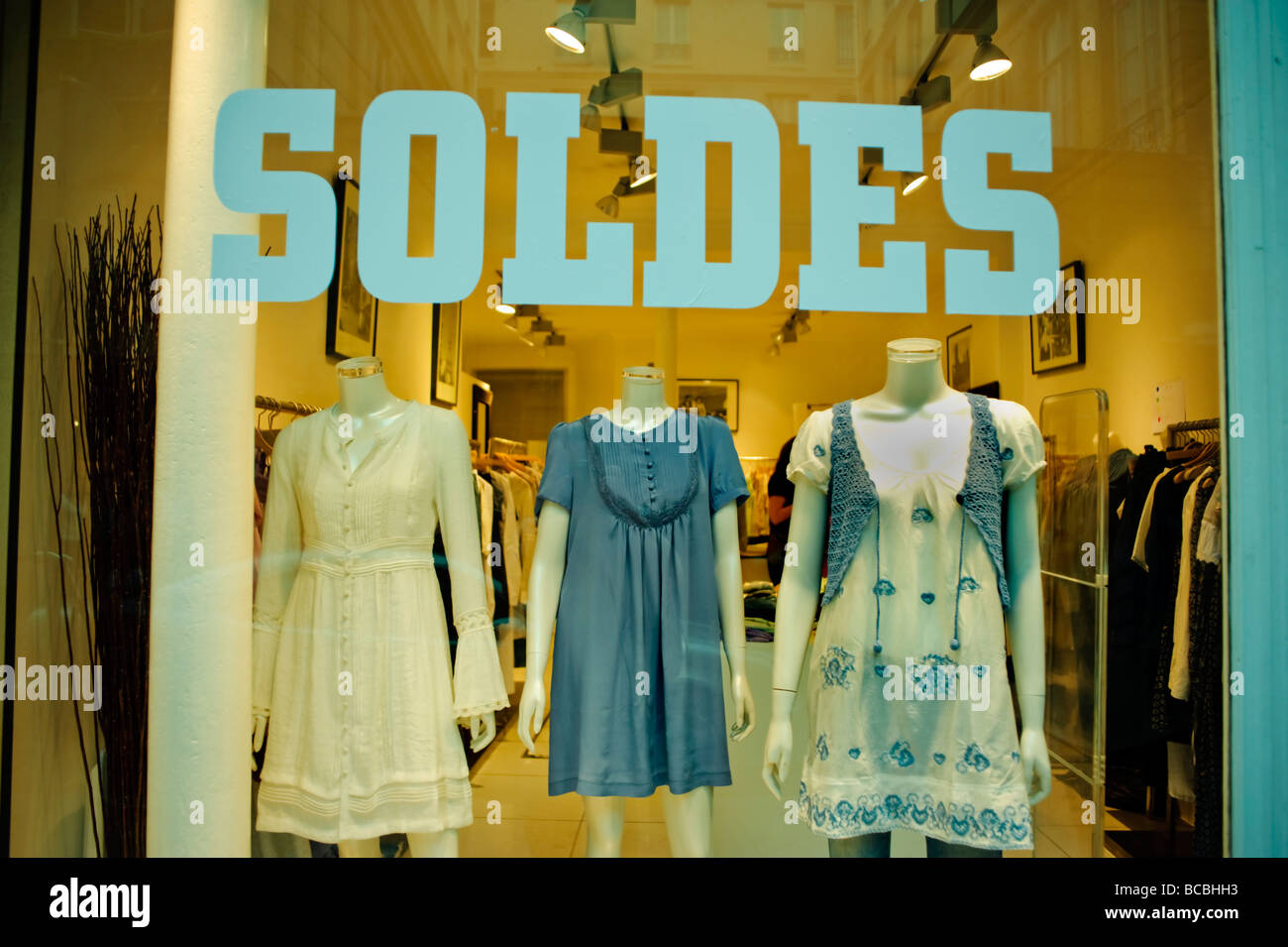 Paris France, Clothes Shopping mannequins fashion clothes in 'Shop Window' with Sign in the Marais  'Summer - Stock Image