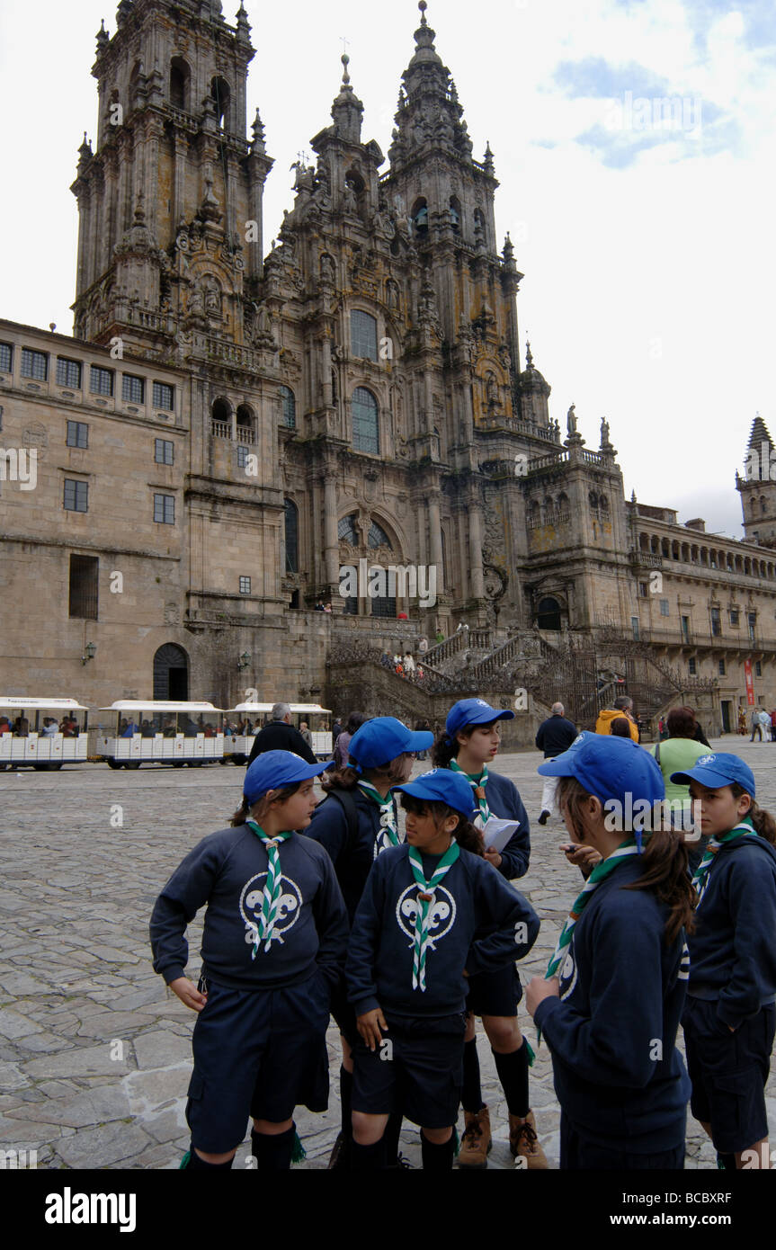 Girl scout troup on a field trip to the cathedral in Santiago de Compostela - Stock Image