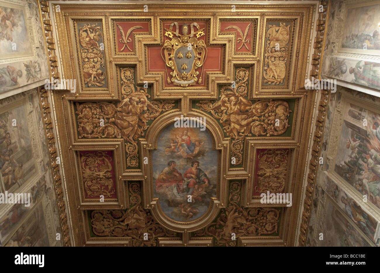 Church Santi Cosma e Damiano in Rome. Lacunar ceiling. - Stock Image